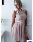 Sukienka Dolly pudrowy Róż