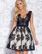 Sukienka z gipiurą czarna