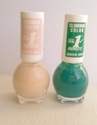pudrowy i zielony lakier do paznokci