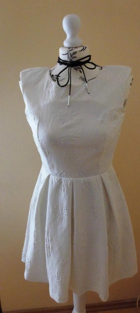 sukienka firmy Glamorous...