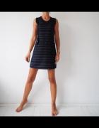 Granatowa trapezowa sukienka
