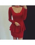 Czerwona sukienka z baskinka...