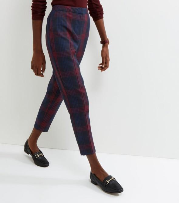 spodnie cygaretki w kratkę new look M granatowe w Spodnie