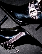 Nowe ekskluzywne czarne lakierowane szpilki 40
