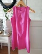 sukienka s różowa rozcięcie