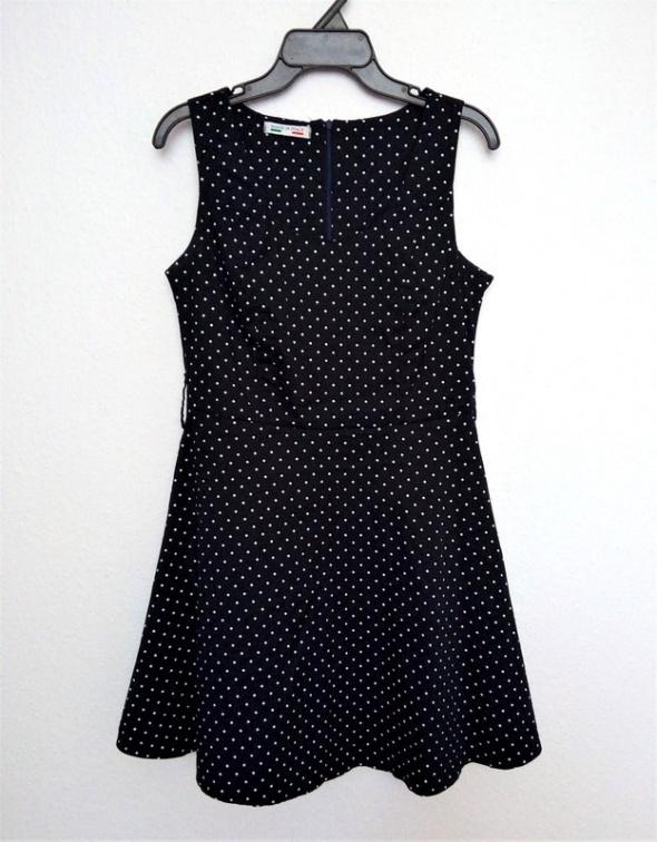 Sukienka rozkloszowana granatowa białe grochy XS S
