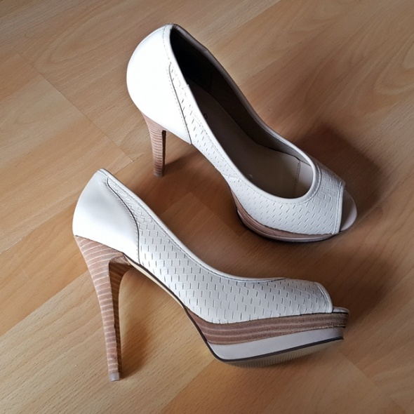 skórzane szpilki open toe rozmiar 38 reserved...