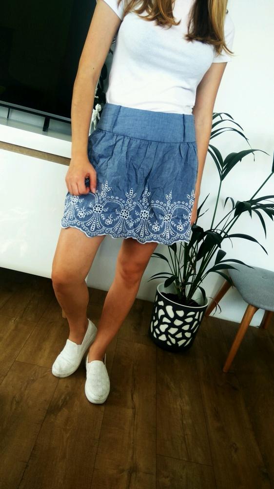 Spódnice rozkloszowana niebieska Ala jeans spódnica z koronką haftem