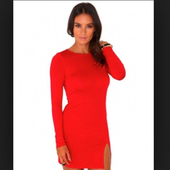 Missguided czerwona sukienka dopasowana