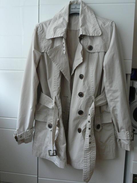 jasny płaszcz