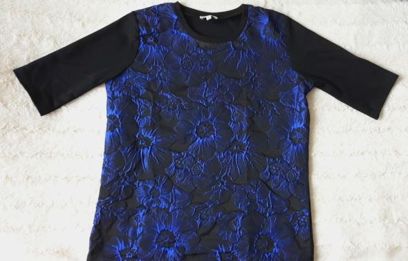 Bluzka w niebieskie kwiaty d r 38...