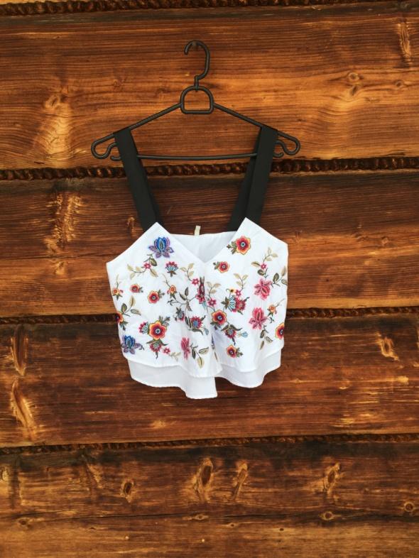 Koszulka letnia z marki Stradivarius
