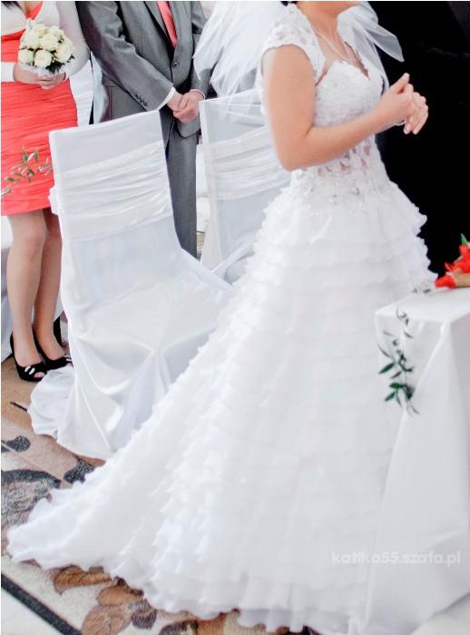Hiszpańska Wyjątkowa Suknia ślubna Z Falbankami W Suknie ślubne