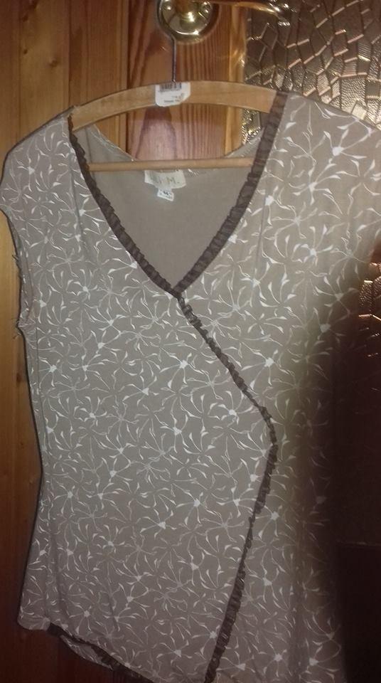Bluzka w dobrym stanie z krótkim rękawem beżowa 42 44