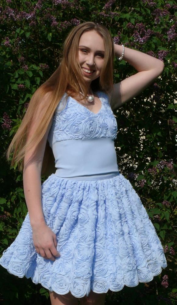 Spódnice Błękitna spódniczka Róże 3D