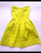 Sztywna neonowa sukienka...
