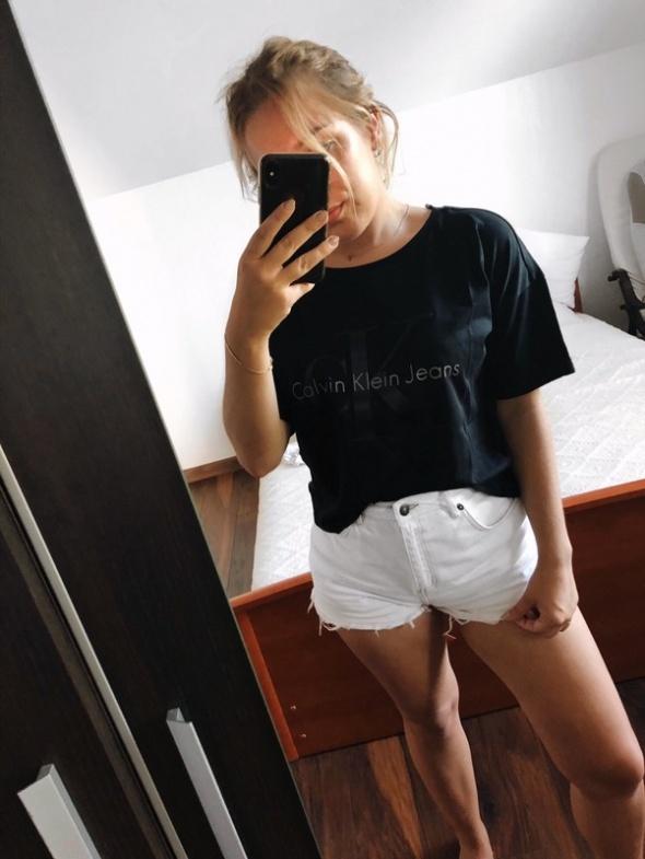 Nowy T shirt Calvin Klein czarny...