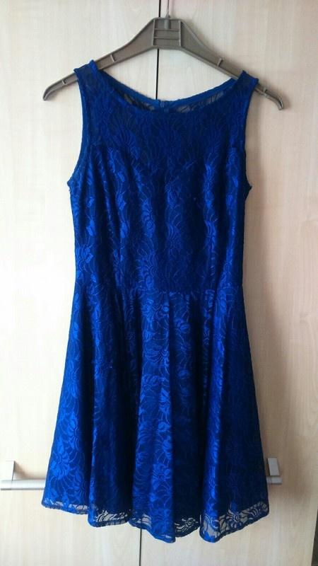 Koronkowa kobaltowa sukienka Sugarfree M