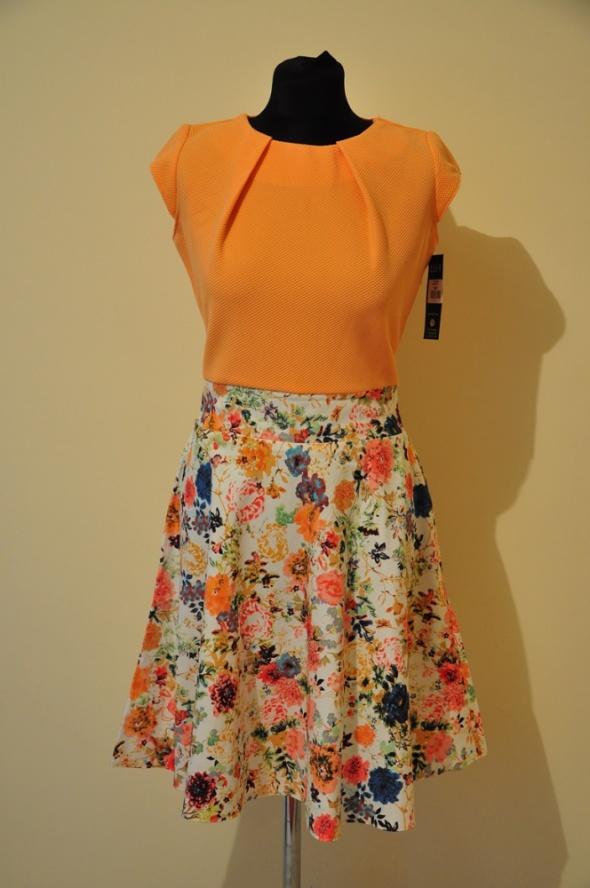 Brzoskwiniowa sukienka w kwiaty NOWA