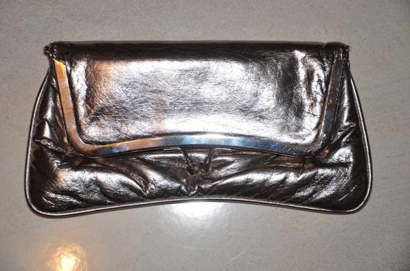 Srebrna kopertówka mała w stylu retro