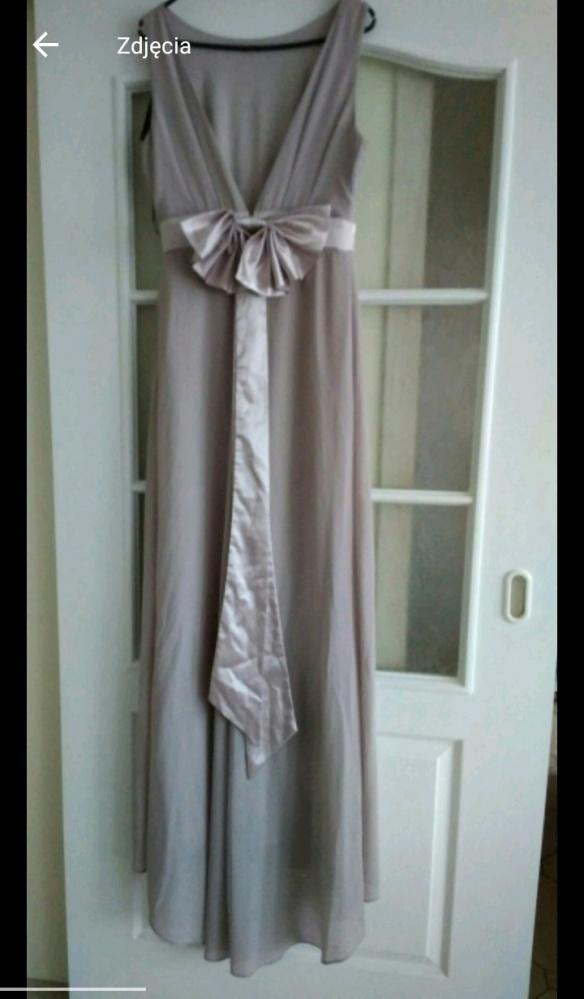 Długa suknia w kolorze lawendy