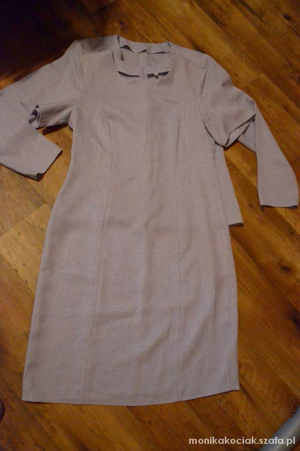 Garsonki i kostiumy Liliowa sukienka z marynareczka