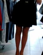 Czarna tiulowa sukienka...