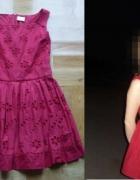 Czerwona mini sukienka z haftowanymi kwiatkami XS S