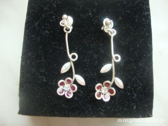 Srebrne kolczyki kwiatuszki