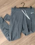 Spodnie dresowe damskie szafe NIKE rozmiar S...