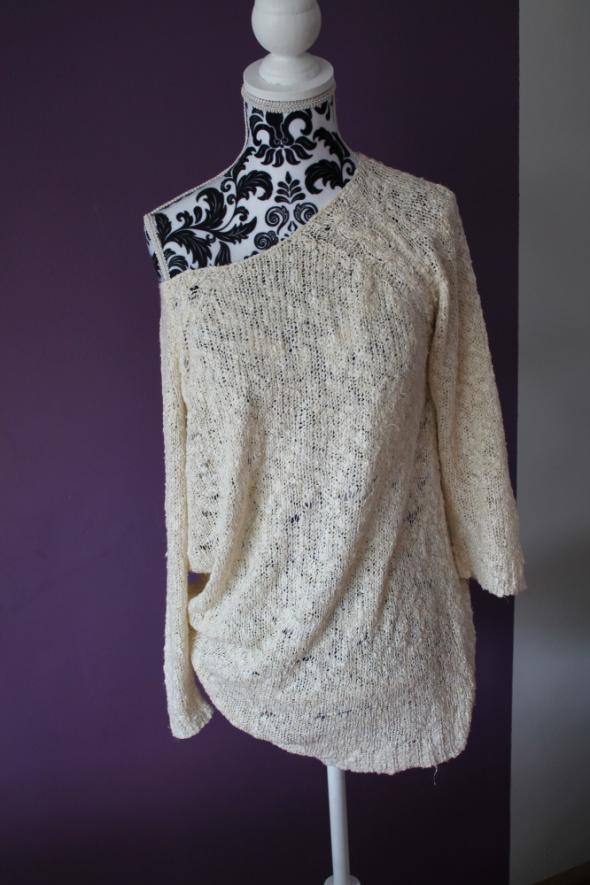 sweter Reserved ze złotą nitką
