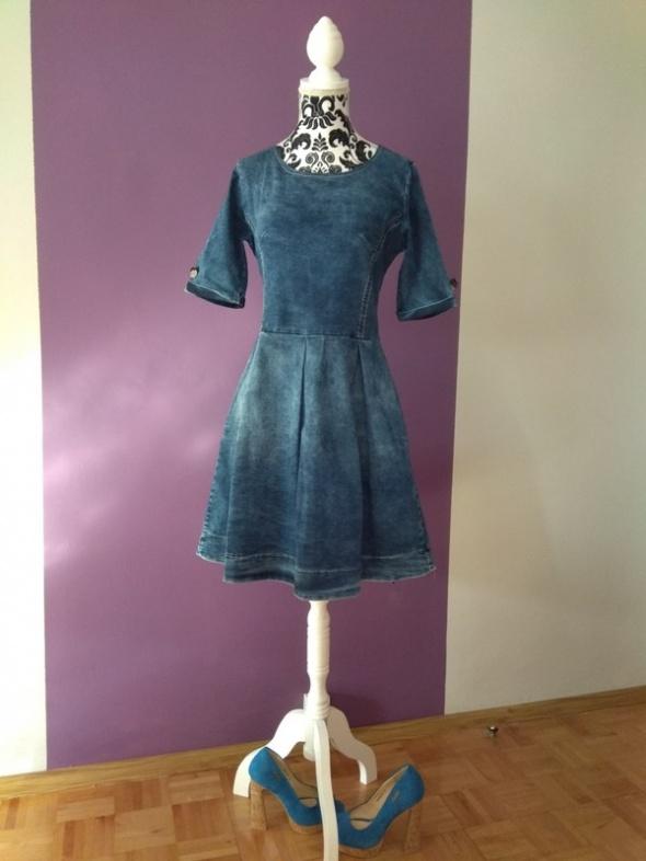 Sukienka dżinsowa s