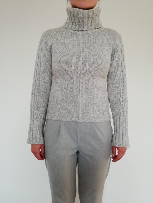 Sweter z golfem Vero Moda rozmiar S