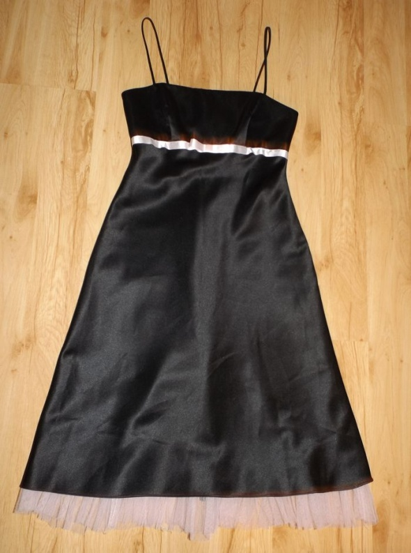 Czarna efektowna suknia Morgan and Co z USA...