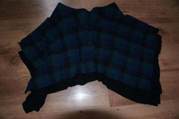 Spódnice Spódnica kwadrat w kratę XS 34 House