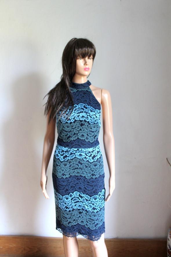 Elegancka sukienka halterneck w odcieniach niebieskiego r S...