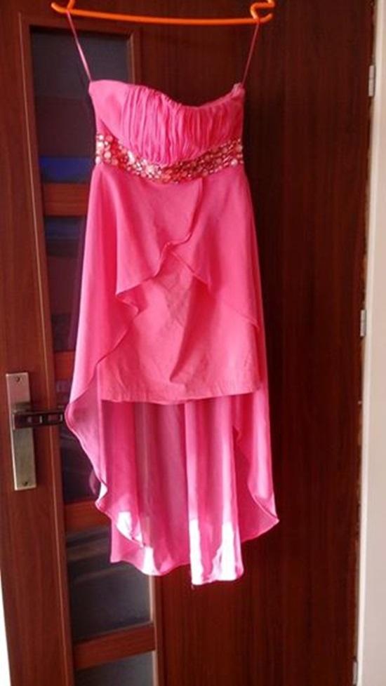 piekna rozowa sukienka