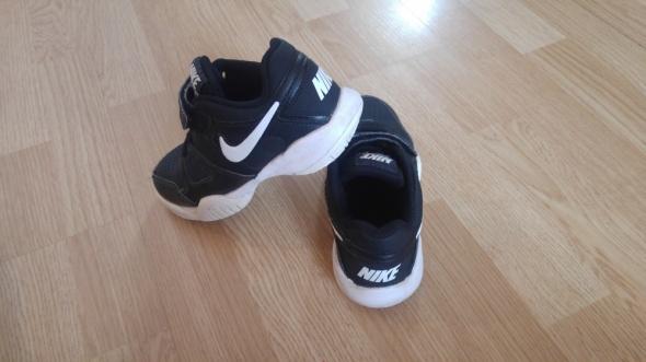 buty chłopięce NIKE...