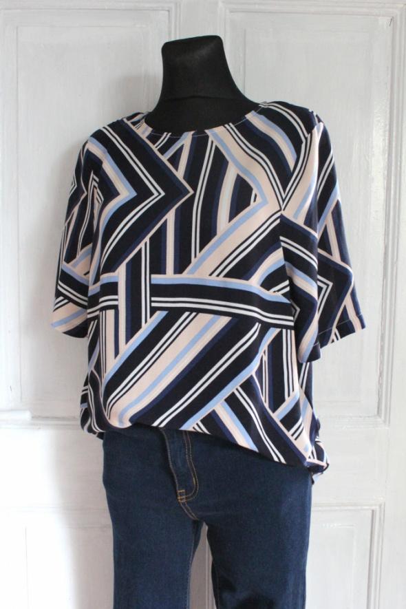 Czarna lejąca bluzka na krótki rękaw kolorowe wzory r L...