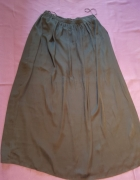 Długa czarna spódnica...