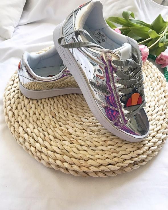 Ellesse jak nowe bardzo modne srebrne buty