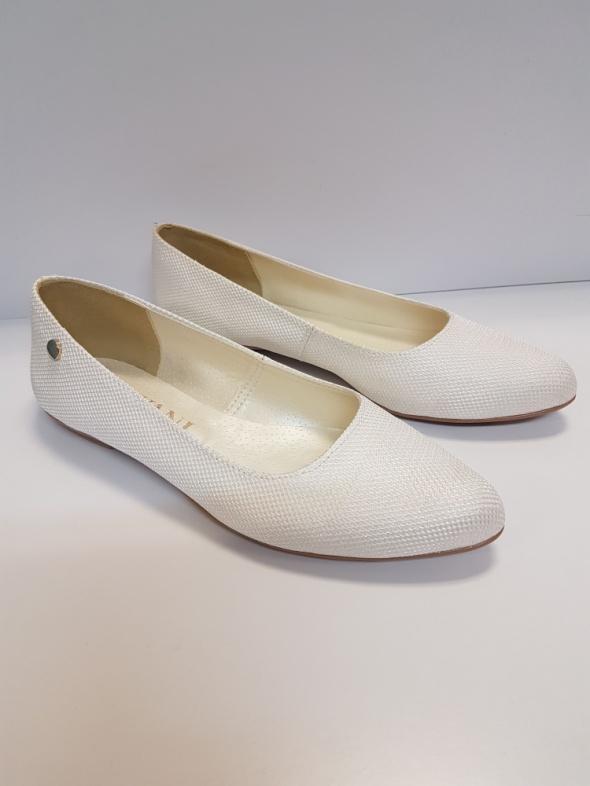Białe posrebrzane baleriny Ślubne buty Nowe