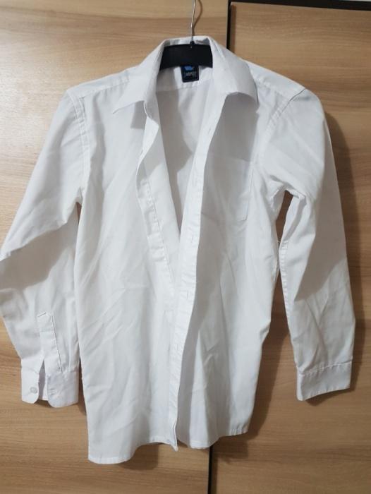 Biała koszula z długim rękawem dla chłopca 146...