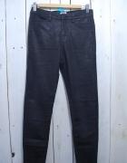 Jeansy rurki woskowane XS...