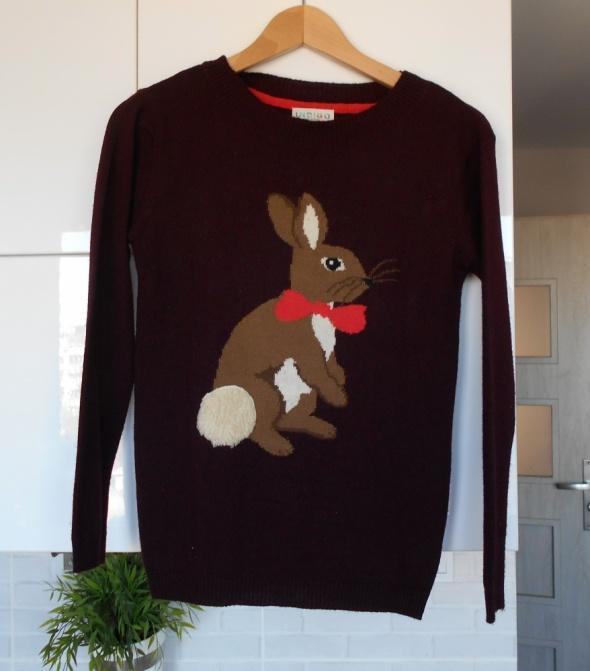 Marks and Spencer sweter z zajączkiem nadruk bordowy...