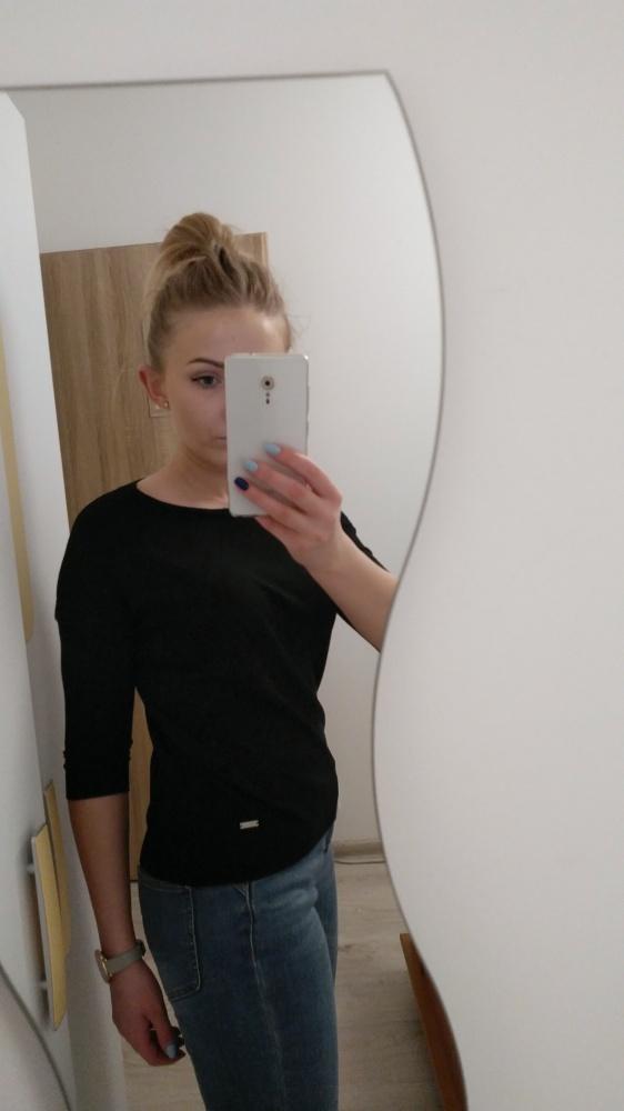 Czarny sweterek Mohito XS S