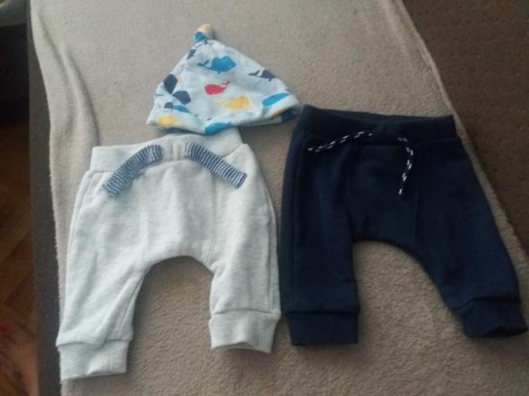 Spodnie dresowe F&F...