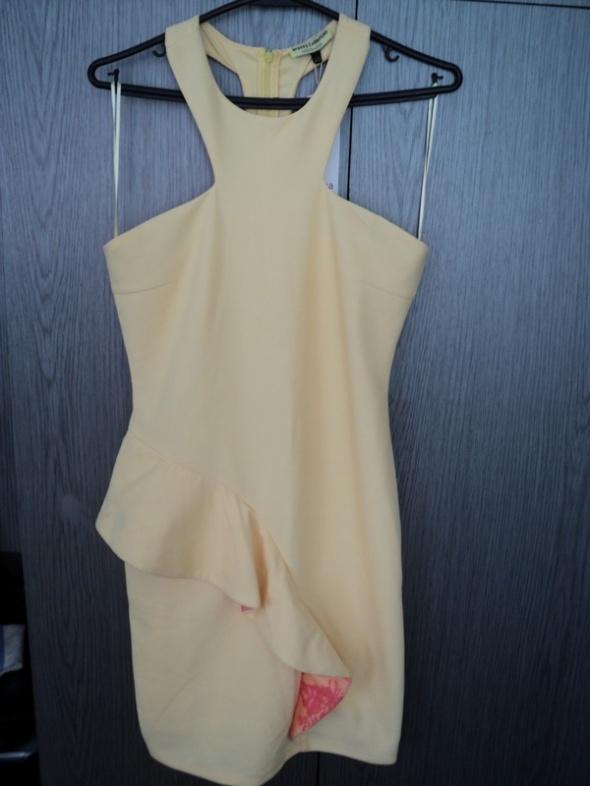 Piękna sukienka bananowa z falbaną Bershka L NOWA z metkami