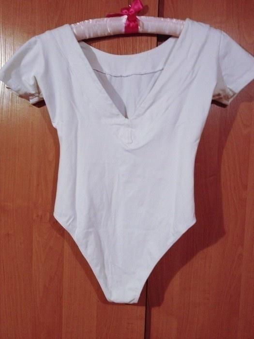 Bluzki 3 RZECZ GRATIS białe dopasowane body z dekoltem 34 XS