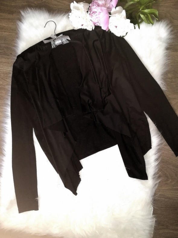 czarny sweter kardigan ekoskóra